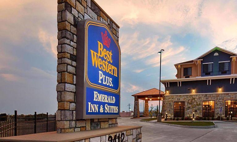 Best Western Plus Emerald Inn U0026 Suites Garden City, KS